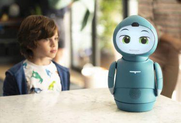 人生に役立つスキルを教えてくれるソーシャルロボット「Moxie」