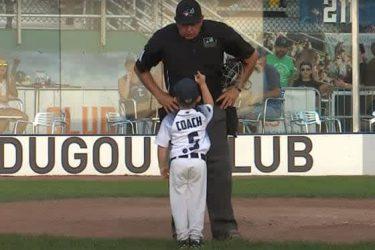 """史上最年少の6歳コーチが""""賄賂""""で審判買収? 可愛すぎる謝罪劇に「素晴らしい戦略」"""
