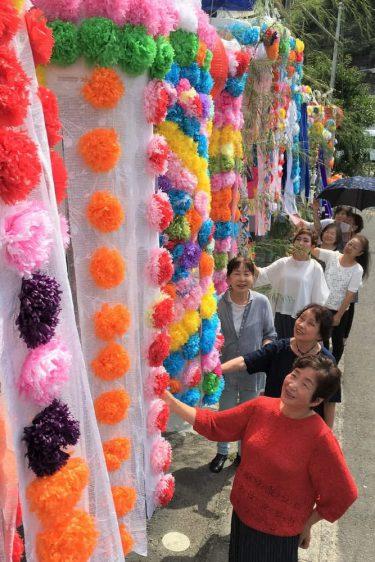 彩り鮮やか 仙台風七夕飾り 15日まで展示