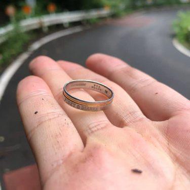 """銀婚式まであと3カ月…なのに結婚指輪が!? 自転車乗りの""""聖地""""で起きた、優しい「奇跡」"""