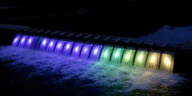 錦秋湖大滝ライトアップ、夜景遺産に ダム施設全国初・西和賀
