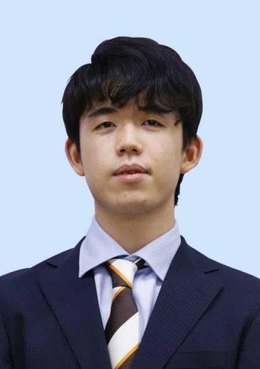 将棋、藤井棋聖が最年少二冠王手