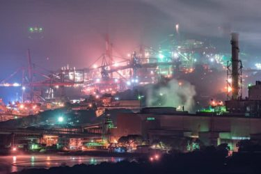 まるで「FF7の新作」⁉︎ 美しすぎる工場夜景の世界がネット上で話題。