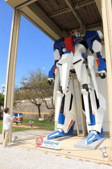 総工費500万円、高さ7メートル「機動戦士Zガンダム」巨大模型の展示20年 制作者の思いとは