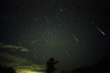 2020年の流星群は?星空観察で心の休憩をしてみませんか