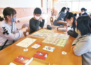 ゲームでSDGs学ぶ 小山小学校で出前授業
