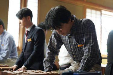 12月25日公開の吉沢亮主演映画『AWAKE』より、場面写真解禁