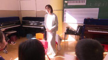 音楽で病児治療を続けるピアノ講師 遼寧省瀋陽市