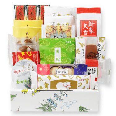 道内でしか買えなかったお正月のお菓子たっぷり!六花亭「おやつセット」魅力的だ。