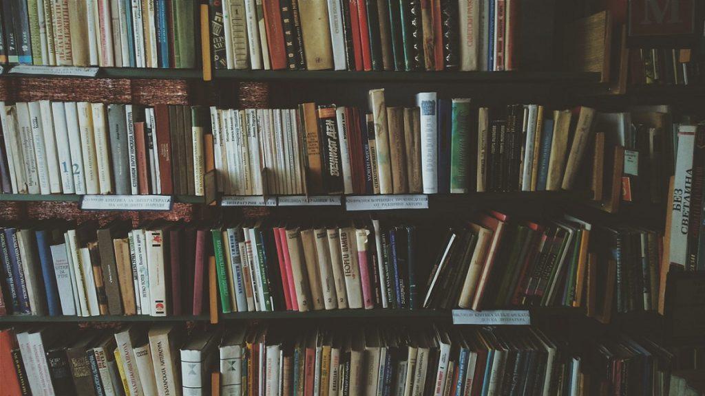 おうち時間が増えた今だからこそ読みたい!本当に感動する小説15選をピックアップ