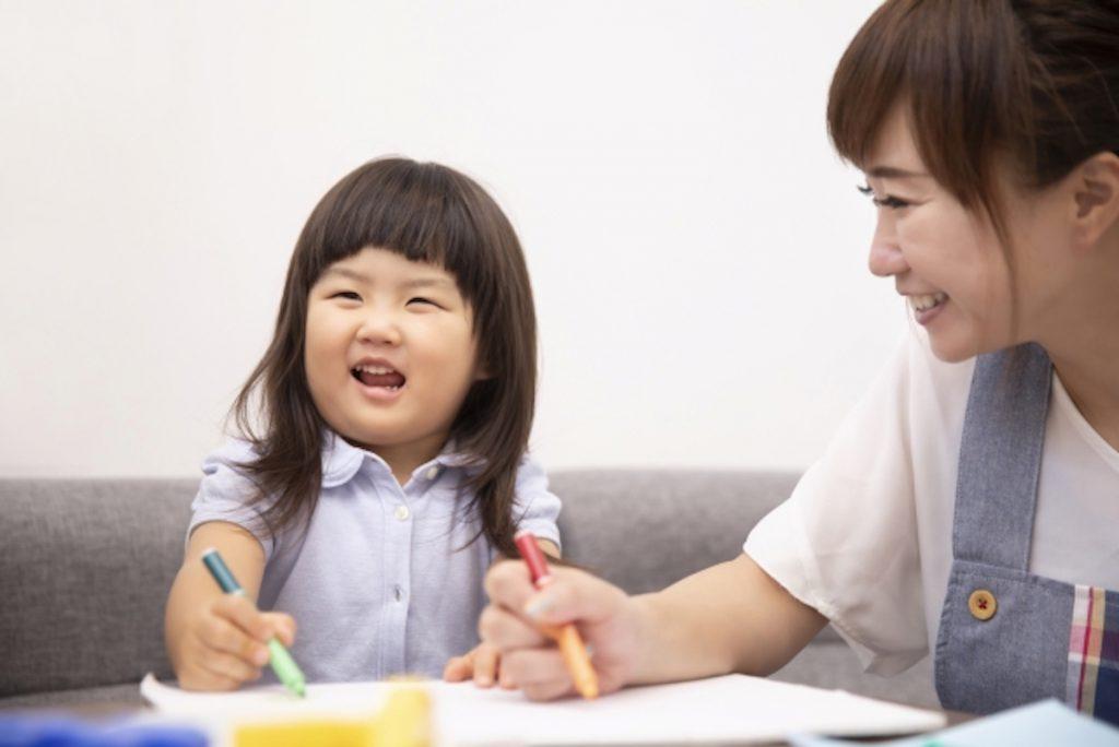 子どもと触れ合える保育関連のバイトイメージ