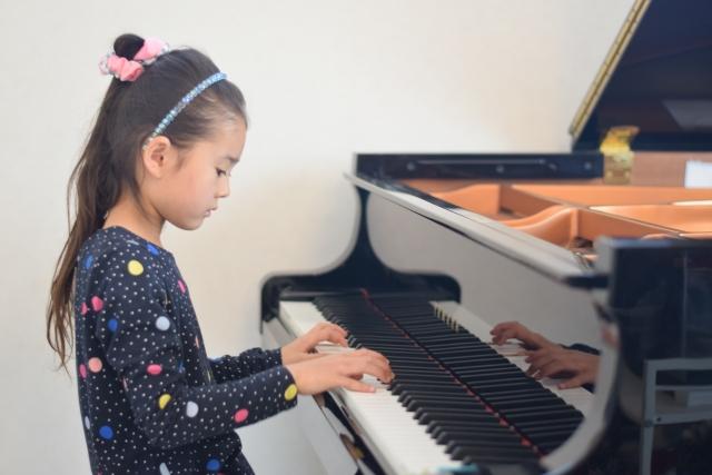 子供の習い事「音楽教室」例:ピアノのイメージ