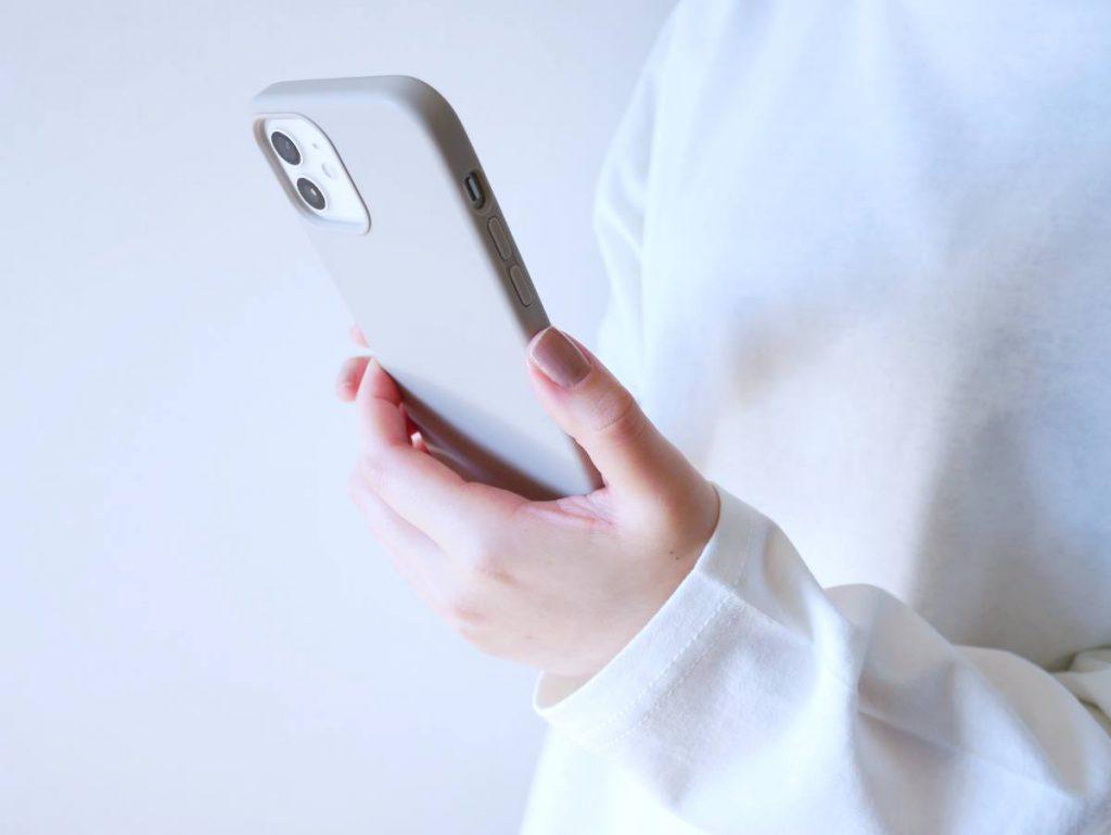 【広いリビングが急増中の理由3】スマートフォンの普及
