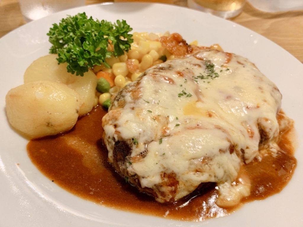コストコのラクレットチーズのレシピ「チーズハンバーグ」