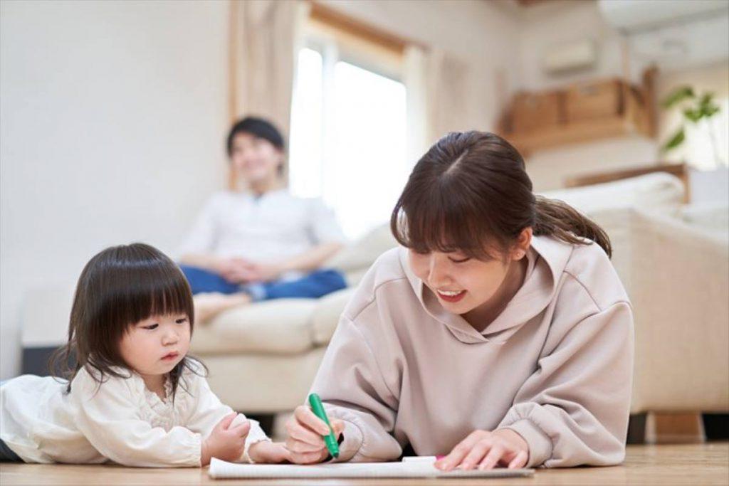 【広いリビングのメリット5】家族で一緒に過ごす時、別々に過ごす時のバランスがとりやすい