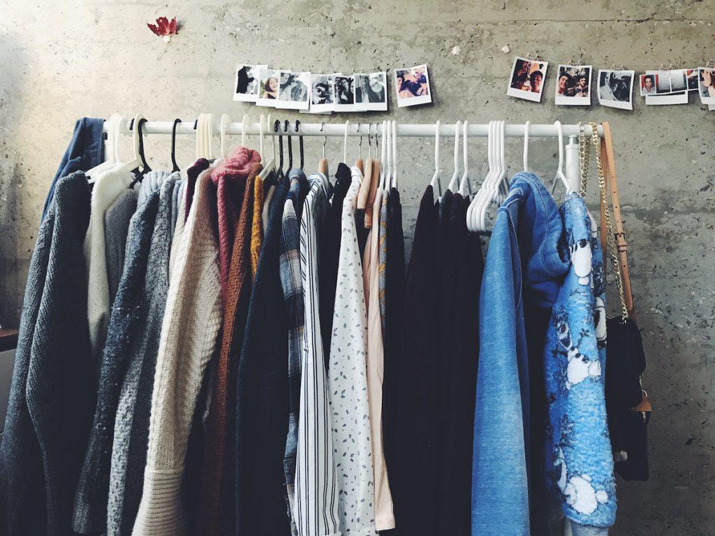 【服の捨て方③】リサイクルショップ・古着屋に持っていく