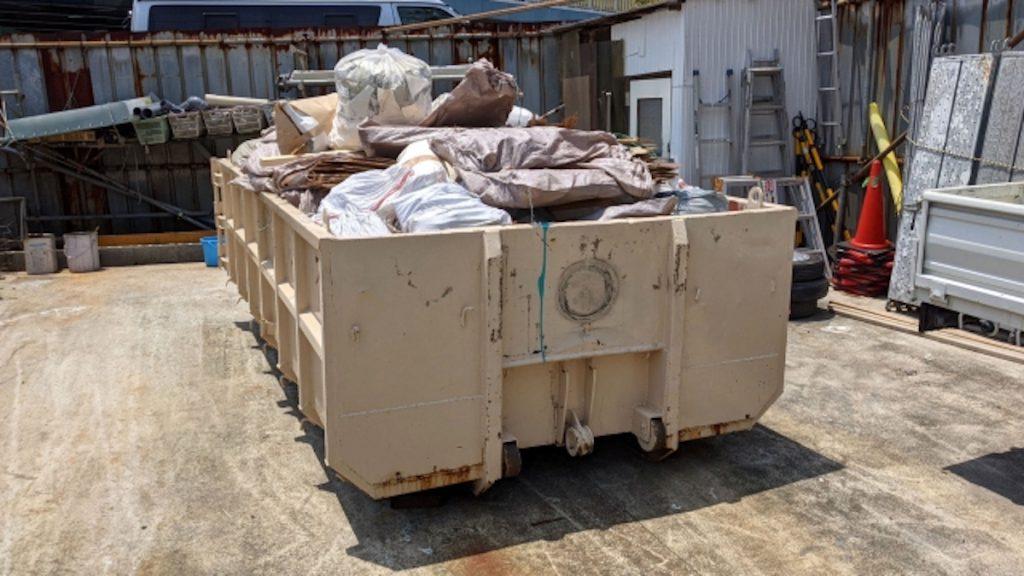【服の捨て方⑤】不用品回収業者を利用する