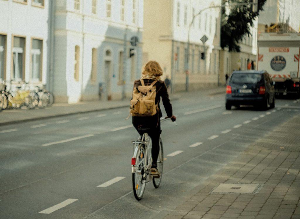 スーツ・フォーマルな服装での自転車通勤